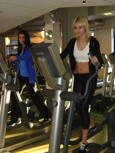Working Out with Gossip Girl's Taylor Momsen   Teen Vogue