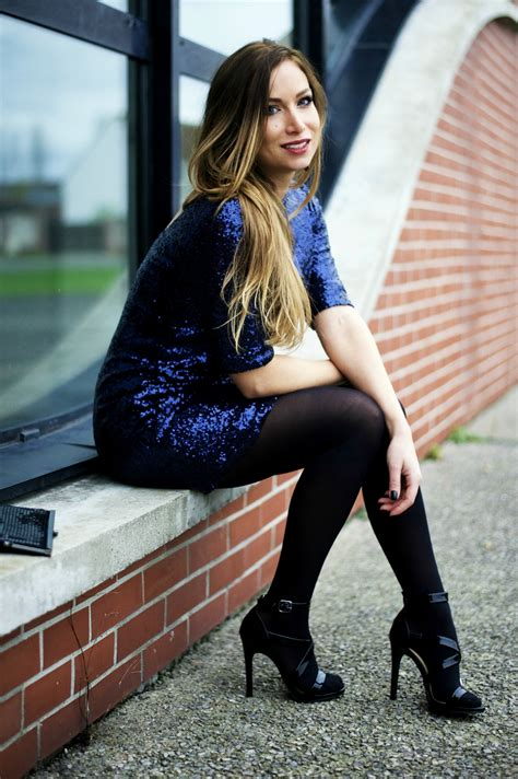 Blue sequin dress : party time outfit ! | My Blog