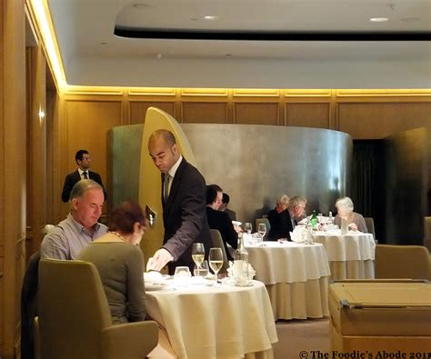 The Foodie's Abode: Seasonal lunch at Alain Ducasse at The