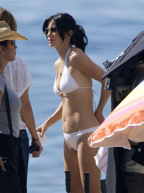 Photos of Courteney Cox And Busy Philipps In Bikinis