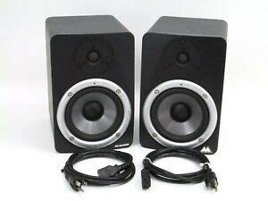 Pair of M-Audio Studiophile BX5 Studio Reference Monitor